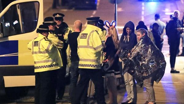 Gb. Esplosione al concerto di Ariana Grande, morti e feriti