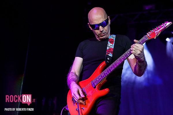 Joe-Satriani—Unsoppable-Momentum-World-Tour-2013-@-Live-Club-Trezzo-d'Adda-MI-30-maggio-2013-ph-Roberto-Finizio-3765