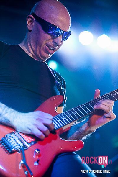 Joe-Satriani—Unsoppable-Momentum-World-Tour-2013-@-Live-Club-Trezzo-d'Adda-MI-30-maggio-2013-ph-Roberto-Finizio-3777