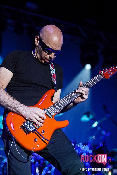 Joe-Satriani—Unsoppable-Momentum-World-Tour-2013-@-Live-Club-Trezzo-d'Adda-MI-30-maggio-2013-ph-Roberto-Finizio-3790